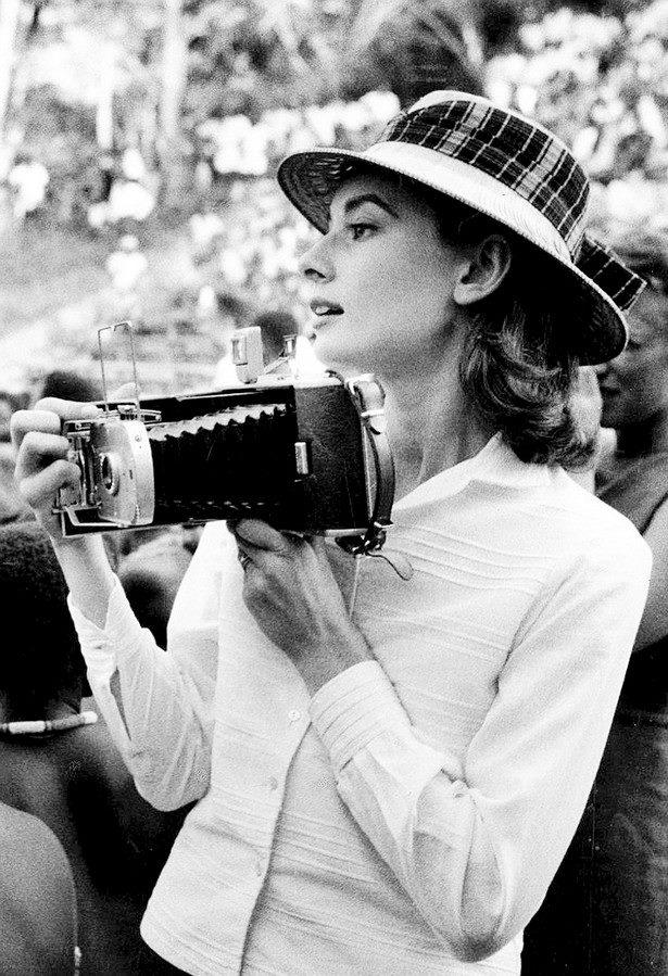 AudreyHepburn1958